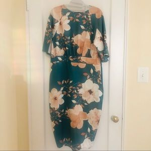 Boohoo Green Floral Bodycon Split Sleeve Dress NWT